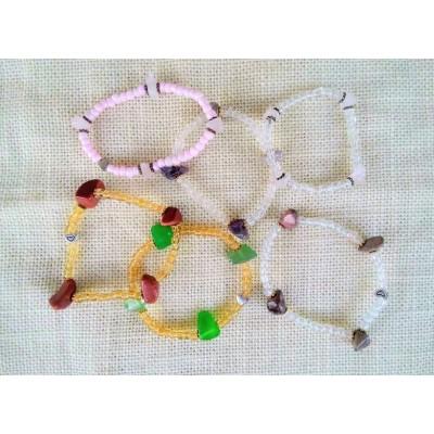 Детски гривнички с естествени камъни
